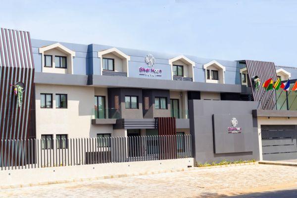 L'hôtel Silvermoon ~ Abidjan